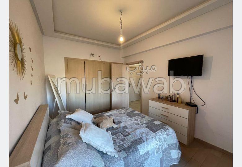 شقة رائعة للإيجار بطريق اسفي. المساحة الإجمالية 55 م². شرفة جميلة وحديقة.