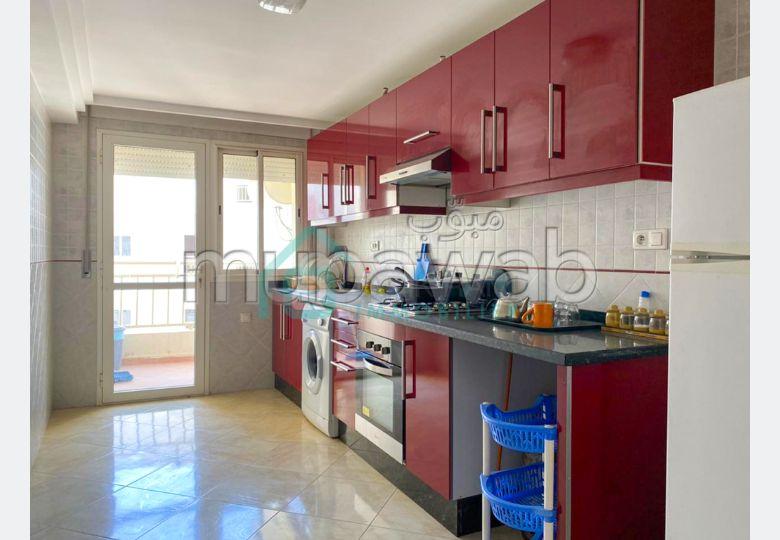شقة جميلة للكراء بوسط المدينة. المساحة الإجمالية 140 م². مفروشة.