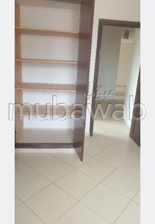Piso en venta en Sidi Hajji. 2 Dormitorio. Sin ascensor, gran terraza.