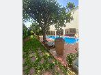 Superbe villa à louer à Oasis. 4 belles chambres. Places de stationnement et terrasse