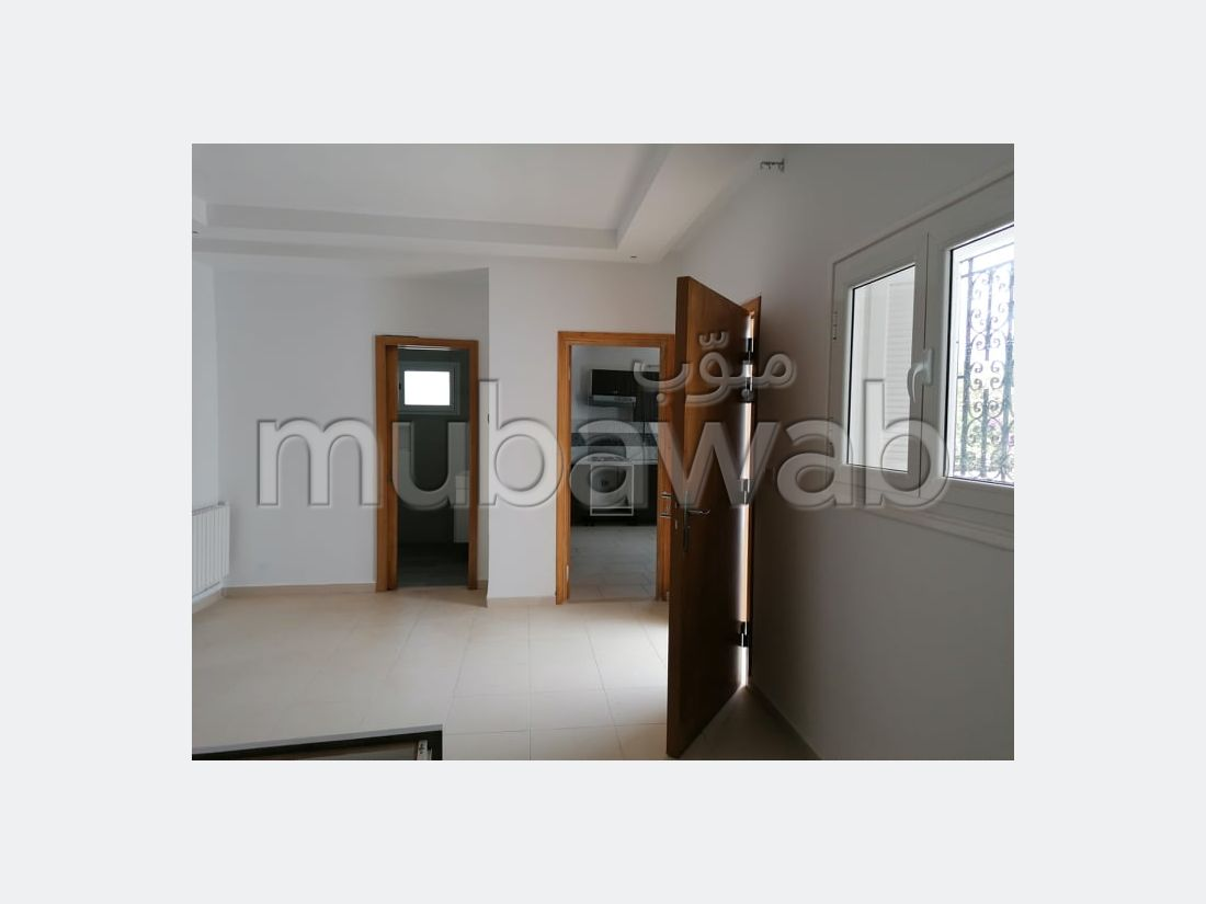 Rent this apartment in El Kantaoui. 2 Large room. Fully equipped kitchen.
