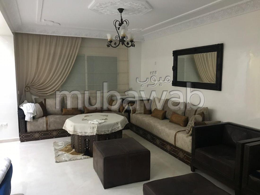 شقة رائعة للإيجار بملابطا. المساحة الإجمالية 100 م². مفروشة.