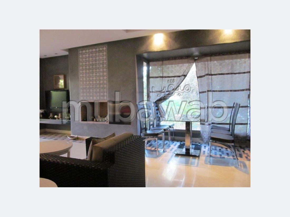 Find an apartment for rent in Agdal. 2 Large room. Cellar.