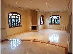 Villa de 625 m2 pour usage professionnel à CIL