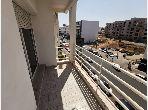 Très bel appartement à louer vide de 3ch entièrement rénové avec balcon à Av des FAR proche Talborjt