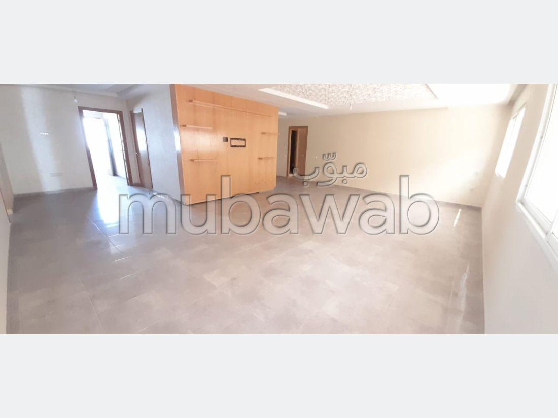 Piso en venta en Maamora. 3 Hermosas habitaciones. Terraza y ascensor.