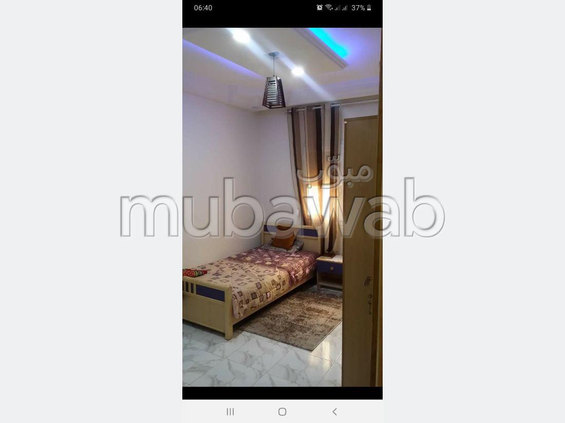 Appartement à vendre à Khaznadar. Surface de 85 m². Système de parabole