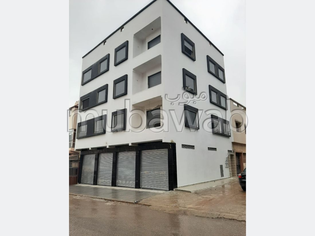 Jolie Appartemant à kenitra de 2 façade