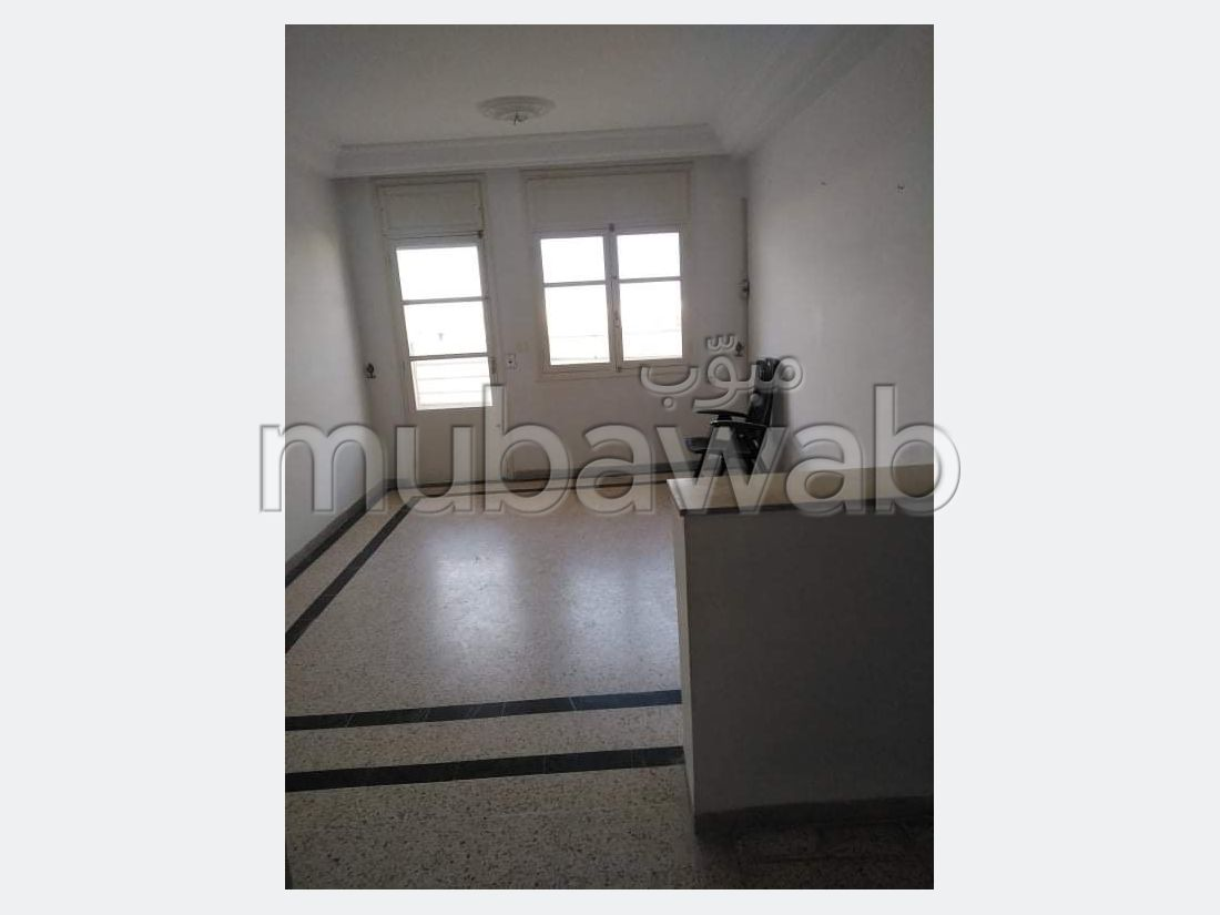 Vente d'un bel appartement à Borj Louzir. Superficie 87 m². Avec ascenseur et terrasse