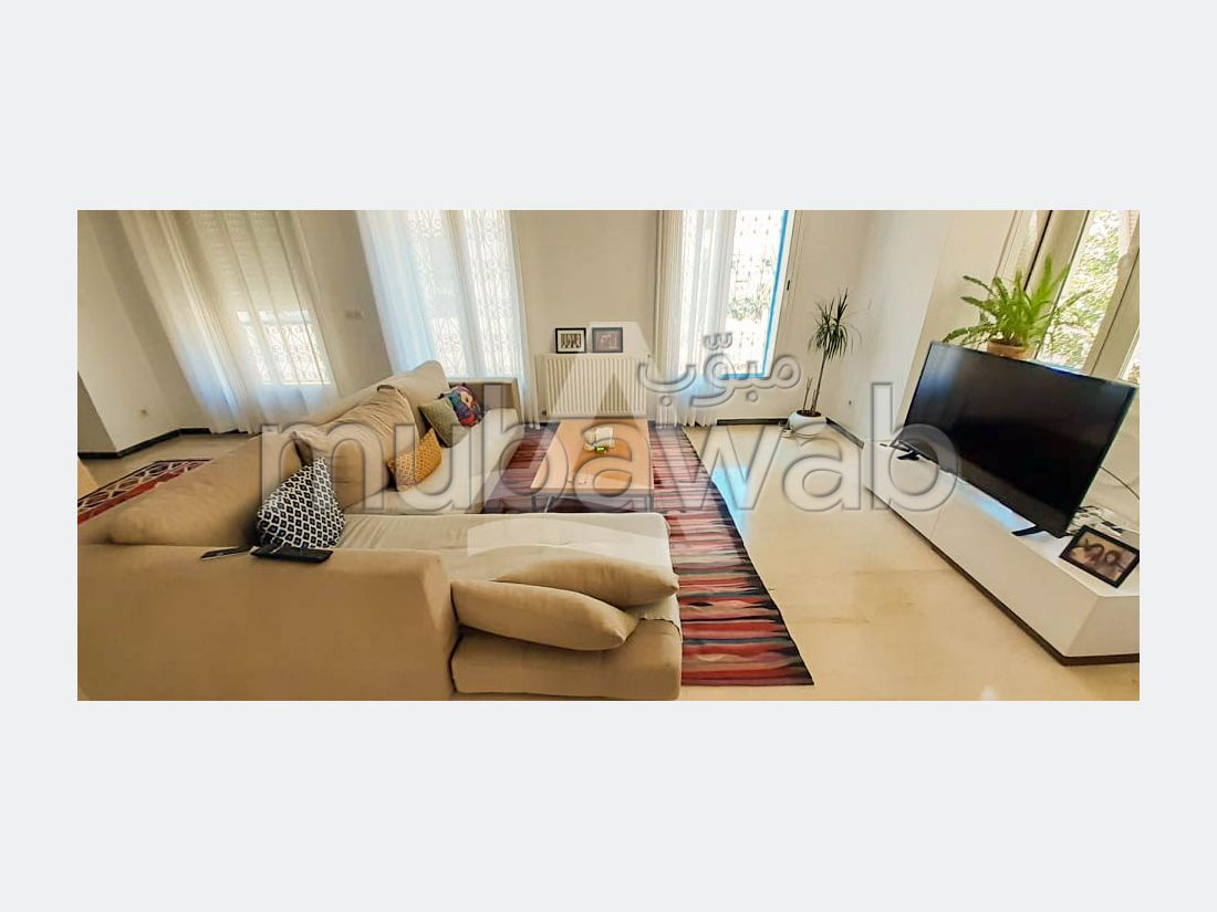 شقة للكراء ب سيدي بو سعيد. المساحة الكلية 170 م². مطبخ مجهز جيدا.