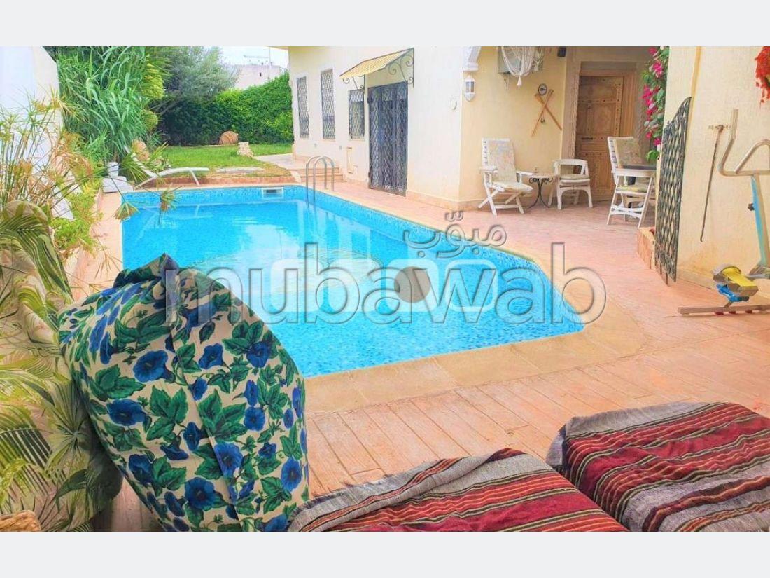 A louer une villa s5 meublée avec piscine lac1