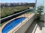 شقة للشراء بدار بوعزة. 2 غرف ممتازة. حديقة ومصعد.