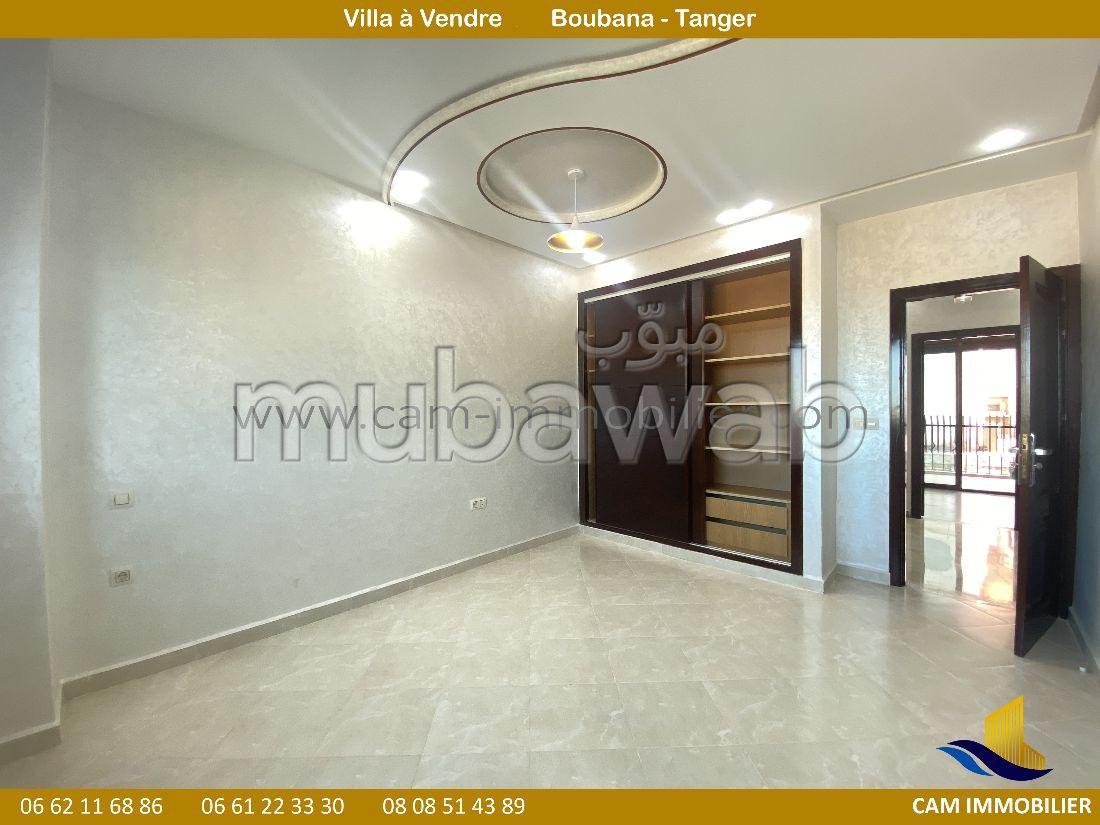 Suntuosa villa en venta en Rmilat. Superficie de 288 m². Jardín y terraza.