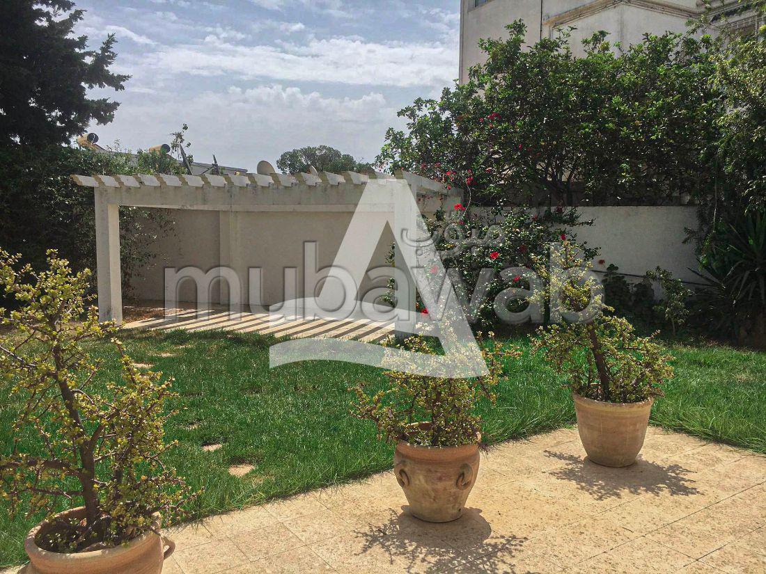 A louer un appartement avec jardin à Gamamrth