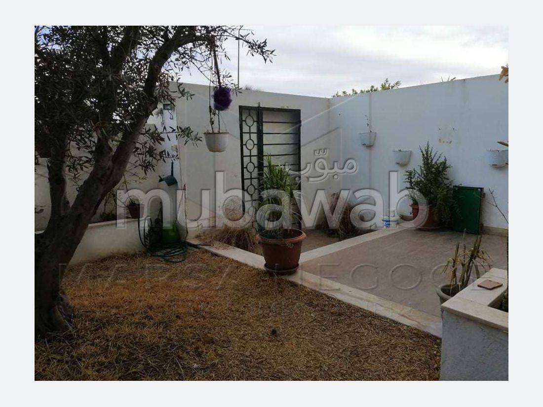 A Louer un duplex S4 avec jardin à Soukra