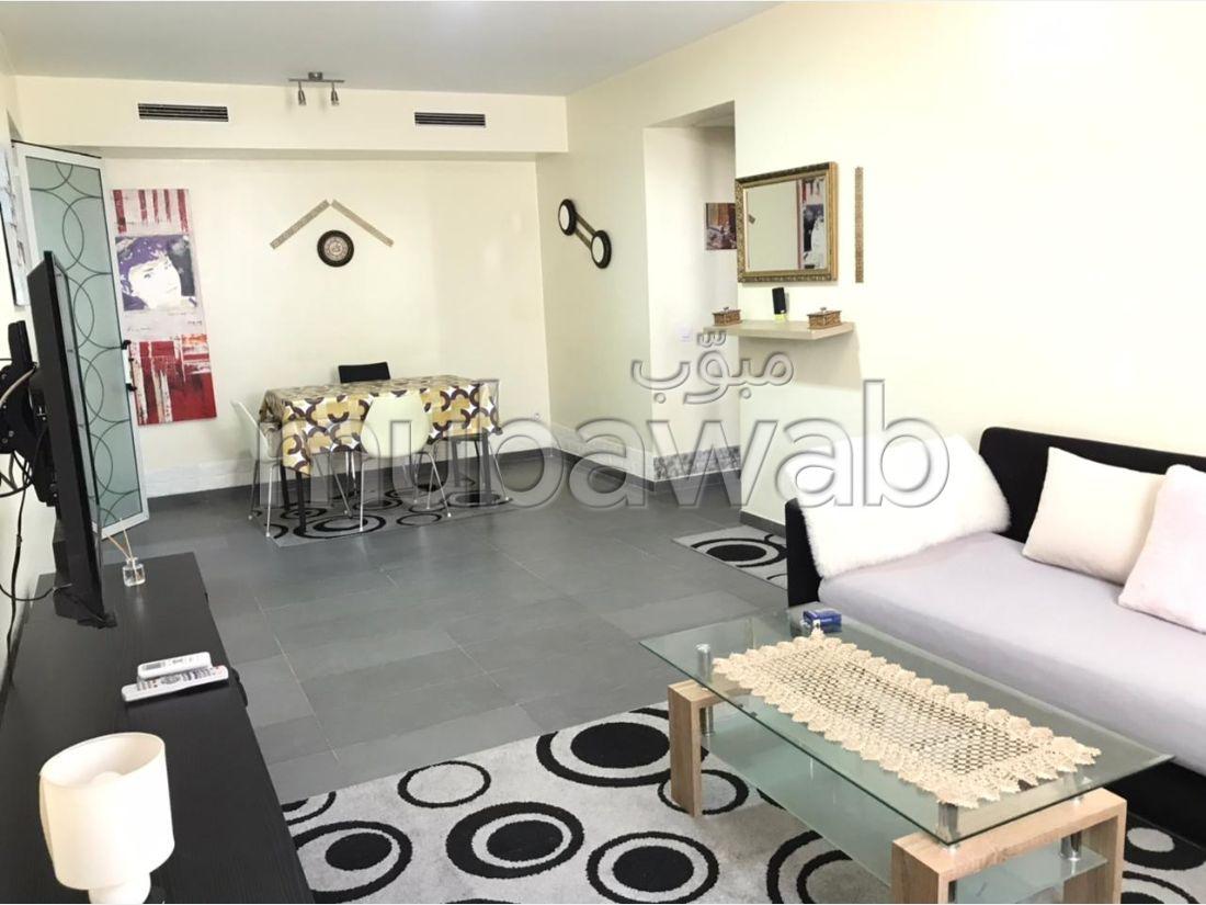 Piso en alquiler en Malabata. Dimensión 85 m². Bien decorado.