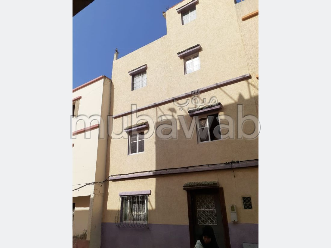 House to buy in Sania. 8 Halls. Sea view.