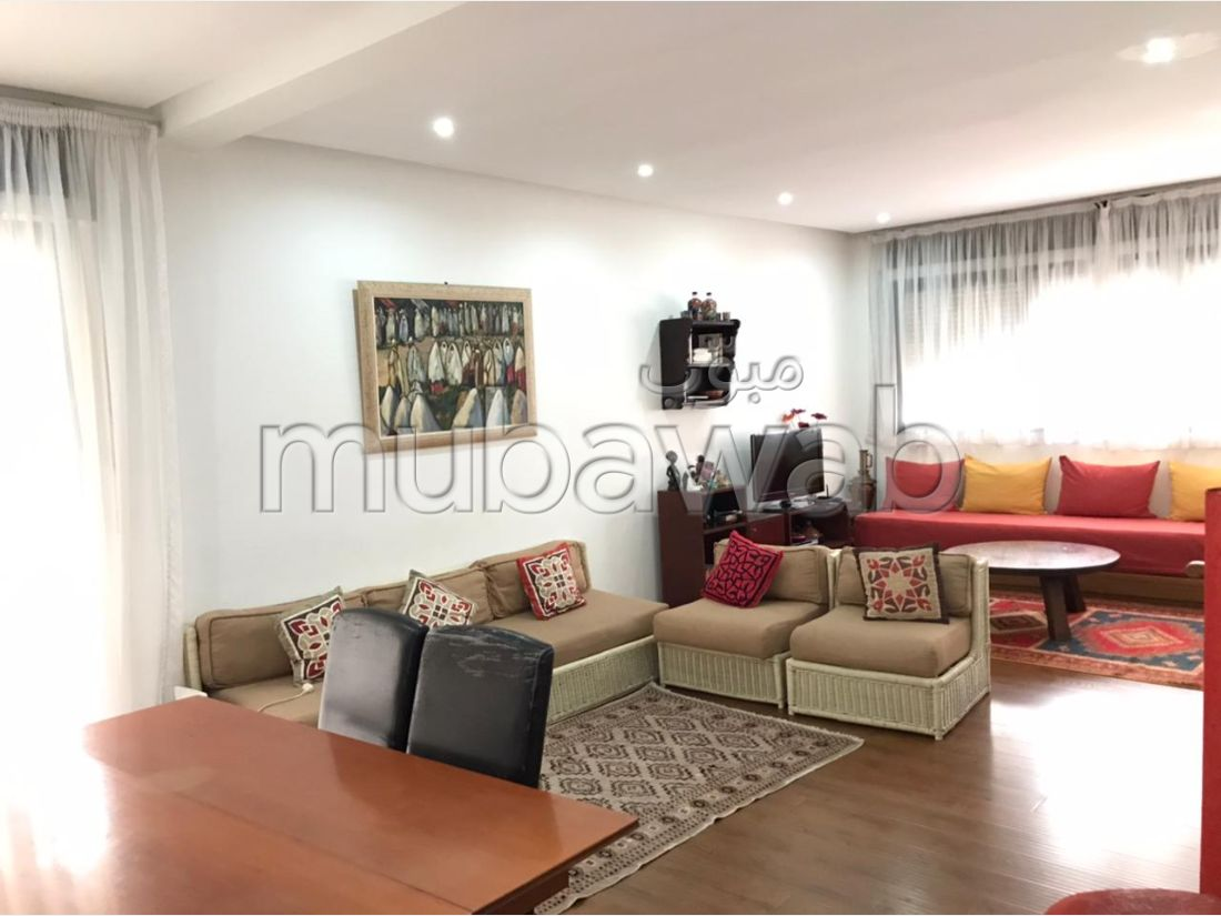 Lovely apartment for rent in Centre. 5 Rooms. Furnished.