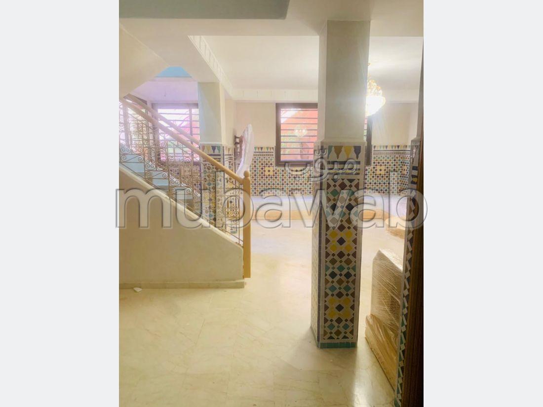 Piso en alquiler en Guéliz. 2 Hermosas habitaciones. Mobiliario nuevo.