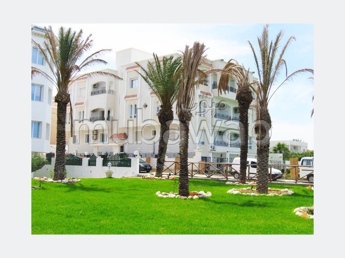 Fabulous apartment for sale in Chatt Meriem. 3 rooms. Garden and terrace.