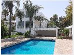 Magnifique villa à vendre à Ain Diab. 4 chambres agréables. Conciergerie à disposition, système de climatisation