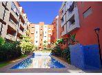شقة للإيجار ب حي الصنوبر. المساحة 60 م². صالون مغربي نموذجي ، إقامة آمنة.