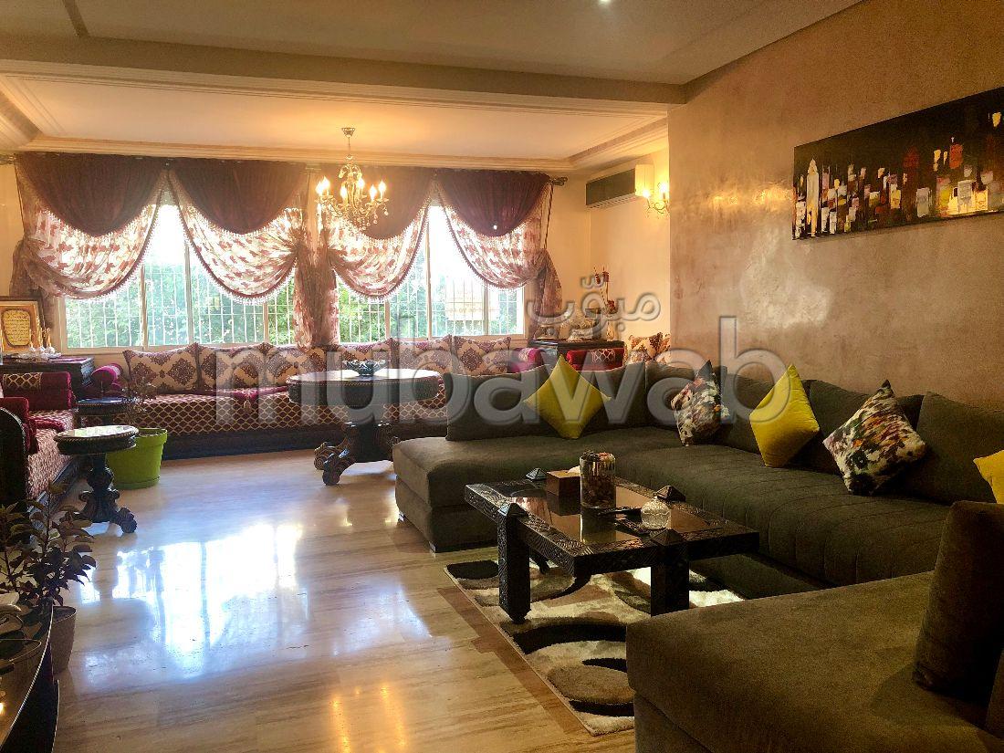 Se vende piso en Hay Atlas. 3 Suite parental. Conserje disponible, sistema de aire condicionado.