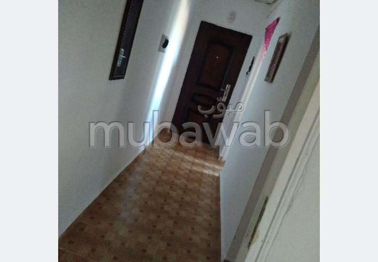 Superbe appartement à vendre. Surface de 84 m². Ascenseur et terrasse.