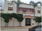 Casa de alto standing en venta en Mister Khouch. 2 Dormitorios. Salón con decoración marroquí, sistema de parábola general.