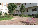 شقة رائعة للبيع بحـي الشاطئ. المساحة 68 م². باب متين ونظام الزجاج المزدوج.