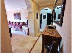 Alquila este piso en Guéliz. Superficie 80 m². Lavadora y secadora.