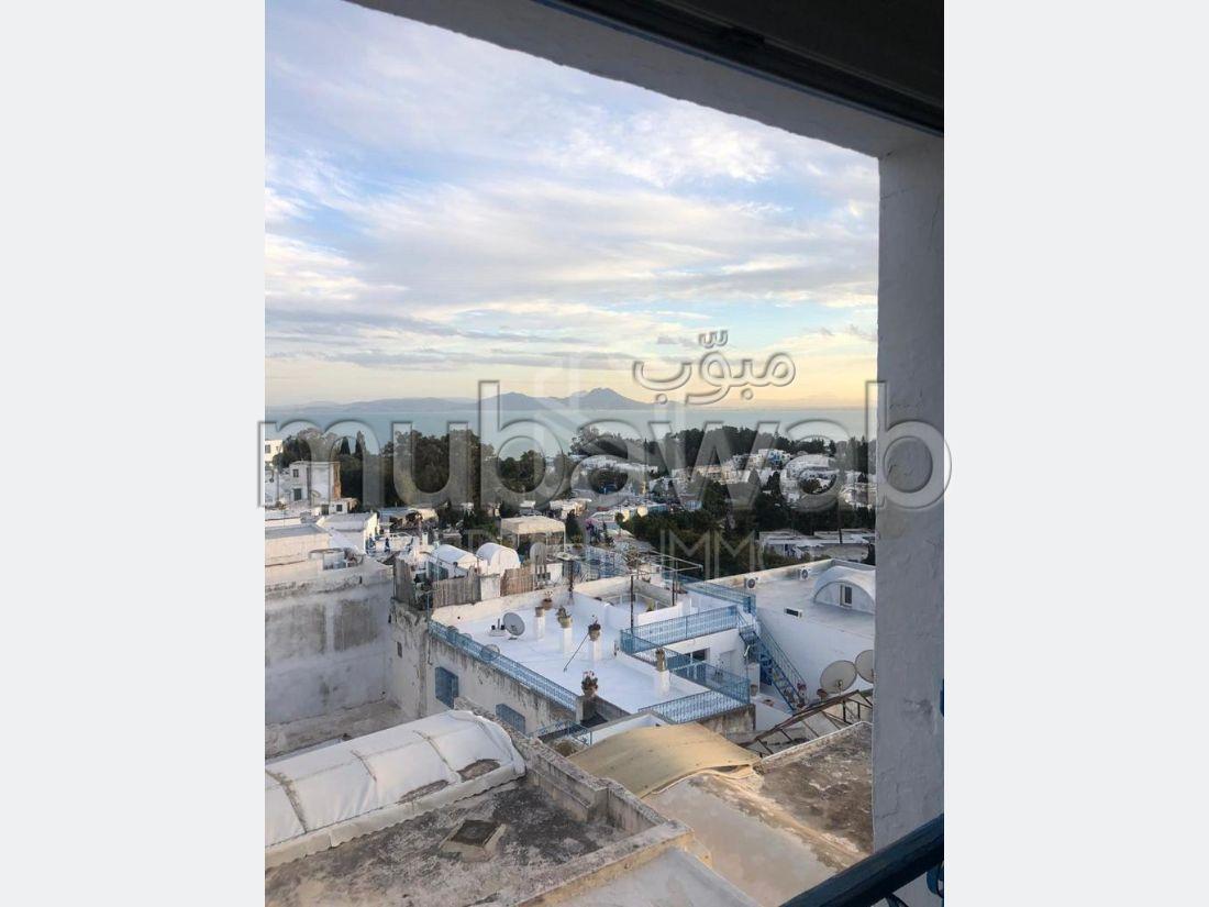 شقة للإيجار ب سيدي بو سعيد. 3 قطع مريحة. منظر بحري استثنائي ، تدفئة مركزية.