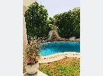 Une villa avec piscine et jardin au lac 2