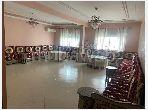 شقة رائعة للبيع ب حي الازهر. المساحة 134 م². صالون بديكورات مغربية.