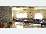 Splendido appartamento in vendita a La Ville Haute. 3 camere da letto. Salotto marocchino e antenna parabolica.