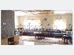 Piso en venta en La Ville Haute. Área total 168 m². Salón tradicional, antena parabólica general.