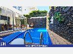 فيلا فاخرة للبيع ب الجبل الكبير. المساحة الكلية 540 م². حمام سباحة و نظام تكييف للهواء.