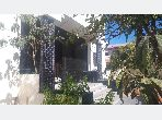 فيلا فاخرة للبيع بوسط المدينة. المساحة الكلية 650 م². شرفة جميلة وحديقة.