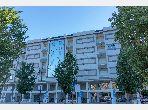 شقة رائعة للبيع ب طنجة البالية. 2 غرف جميلة. إقامة آمنة ومجهزة بنظام استقطاب قنوات الأقمار الصناعية.